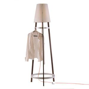 Domus Stojací lampa Wai Ting kabel červený dub