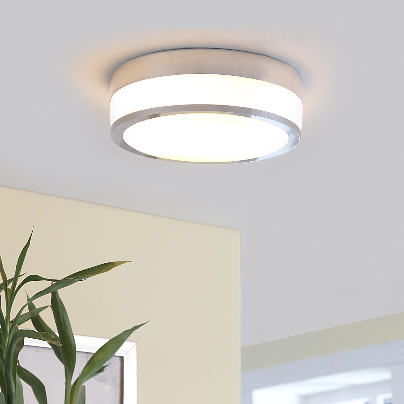 Lindby Flavi - stropní světlo pro koupelny, chrom